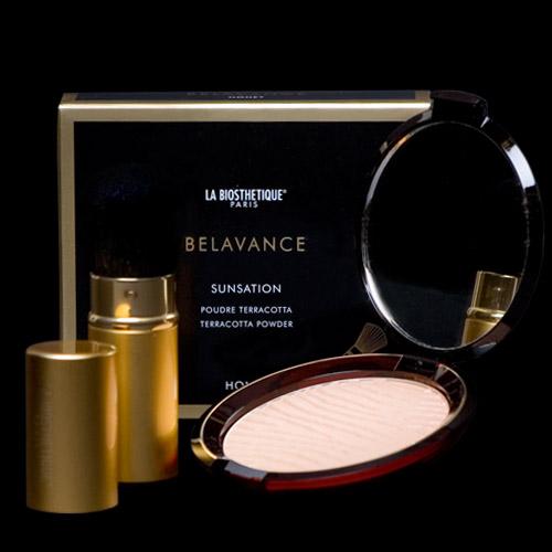 Image of La Biosthetique Bronzing Blusher Powder - Honey